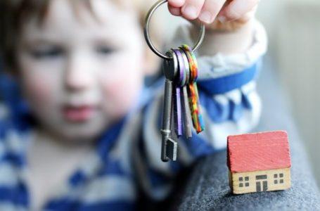 Тернополян просять допомогти сиротам отримати житло