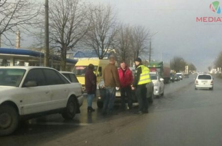 На світлофорі поблизу Березовиці зіткнулися дві автівки