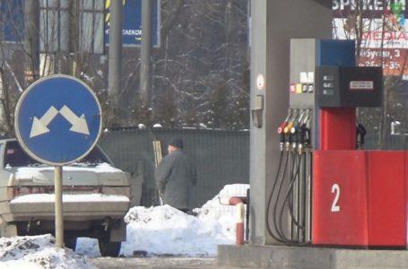 «Менше їздять і переходять на газ», – тернопільські водії про ріст цін на пальне (Відео)