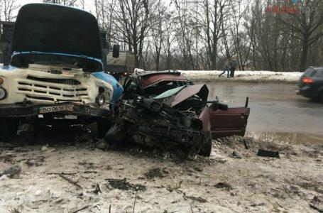 В аварій на Микулинецькій загинув чоловік, 9-річна дівчинка в лікарні (Фото)