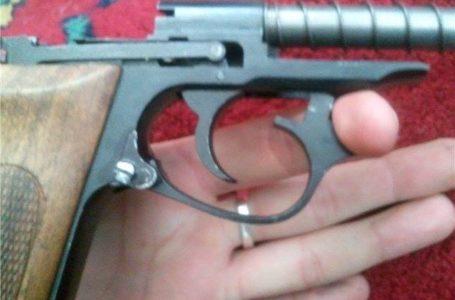 Житель Тернопільщини переробляв зброю із травматичної у бойову