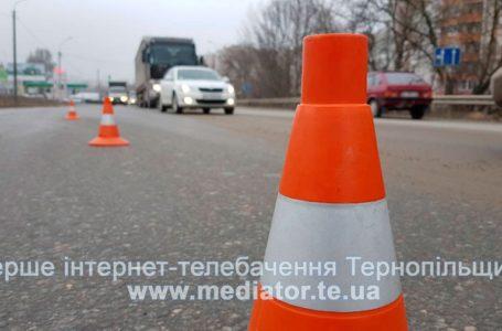 На Тернопільщині іномарка врізалася у паркан: водій в реанімації (Фото)