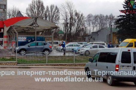 На автомийках Тернополя аншлаг (Фото)