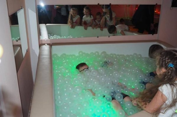 Для дітей на Теребовлянщині обладнали сучасну сенсорну кімнату
