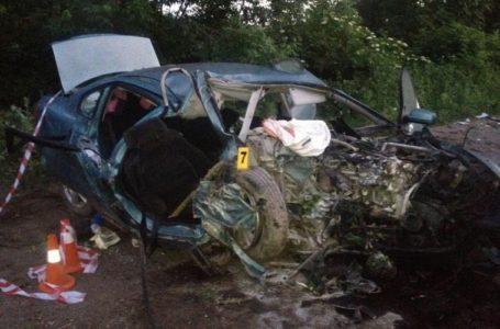 На Тернопільщині у ДТП  дві людини загинули, троє – у важкому стані