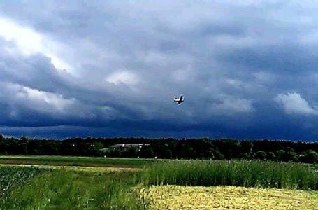 Жителі сіл на Тернопільщині занепокоєні авіаційним обприскуванням