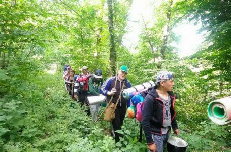 Пластуни та гопаківці з Тернопільщини вирушили в Карпати (Фото)