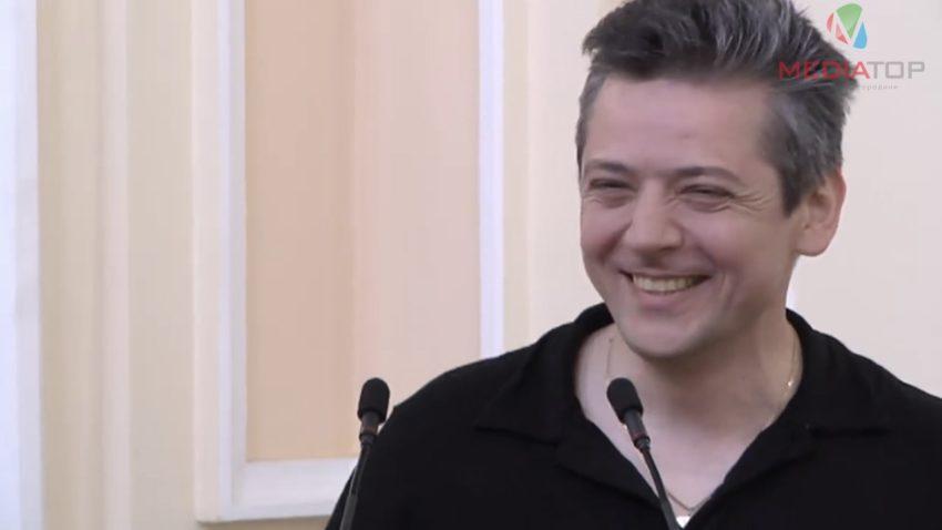 Тернопольский депутат требует запретить торговлю нижним бельем впраздники