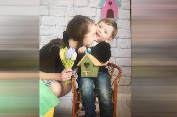 Мама трирічного Артемчика, який помер у лікарні, шукає адвокатів
