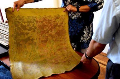 На Тернопільщині вилучений у контрабандистів гобелен передали до музею