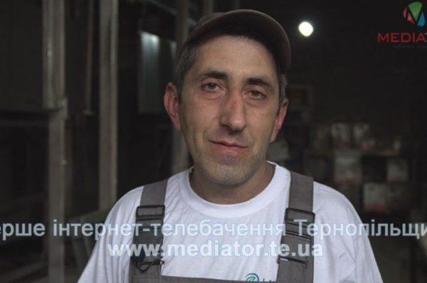 """""""Працювати за кордоном важко, сумується за домом і дітьми"""", – фарбувальник Володимир Кліщ (Відео)"""