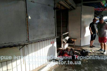 На ринку у Тернополі згорів кіоск з одягом