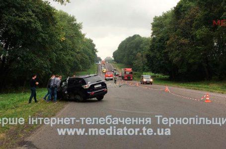 Двоє молодих хлопців загинули у ДТП поблизу Зборова. Наживо з місця аварії