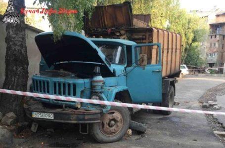 На Тернопільщині під час погрузки сміттєвоз насмерть переїхав водія