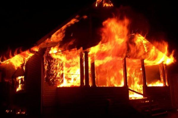 На Чортківщині у пожежі згорів власник будинку