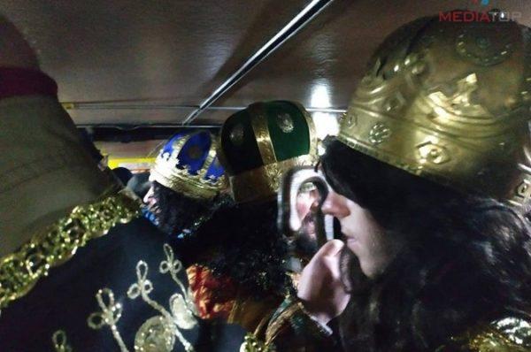 Вертеп у маршрутці. Тернополяни заколядували у громадському транспорті (Відео)