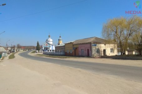 З церкви на вибори. Жителі села Мишковичі голосують (Наживо)