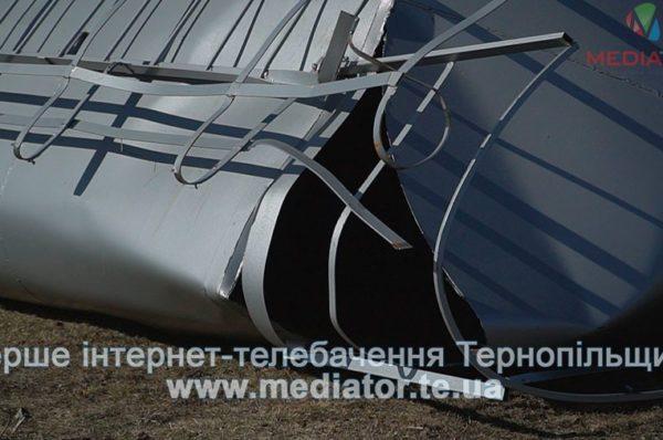Буревій на Тернопільщині повалив дві водонапірні вежі вартістю майже 5 мільйонів гривень (Відео)