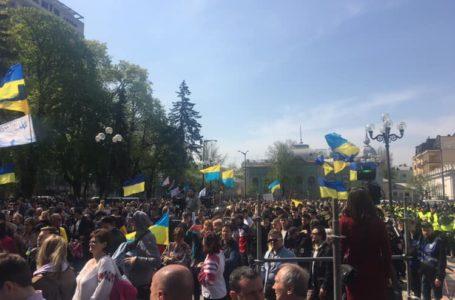 Закон про мову українцям таки доведеться виконувати