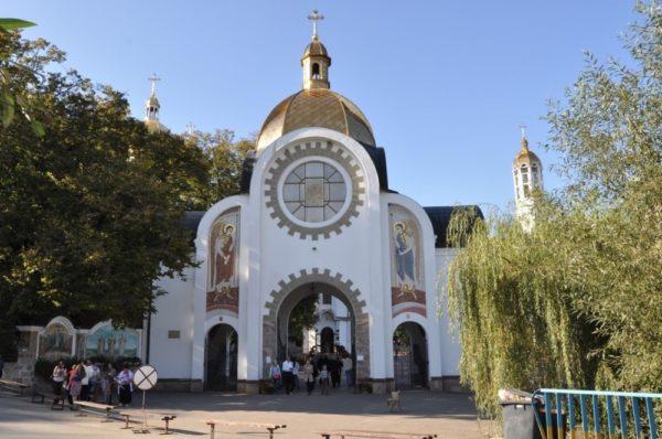 Замість помолитися зборівчанин пограбував Зарваницький духовний центр