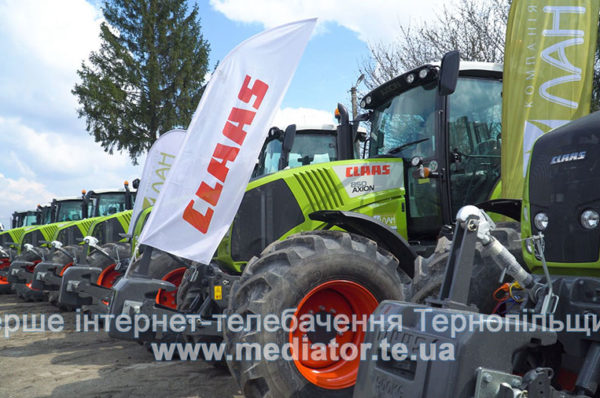 Вісімнадцять тракторів закупила об'єднана компанія CFG/«МРІЯ» для обробітку земель Тернопільщини (Відео)