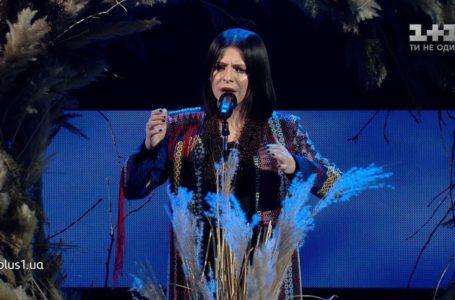 """Оксану Муху, яка ввійшла до півфіналу """"Голосу країни"""", підтримав син Квітки Цісик (Відео)"""