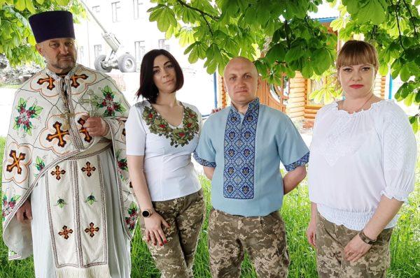 День вишиванки: тернопільські військовослужбовці приєдналися до флешмобу (Фото)