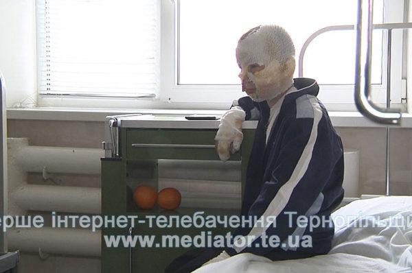 Вогонь з труни. Бабуся знайшла непритомного онука на підлозі (Відео)