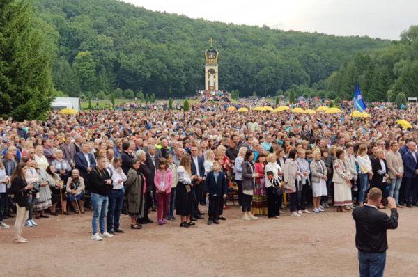 На Всеукраїнську прощу до Зарваниці приїхали 80 тисяч прочан