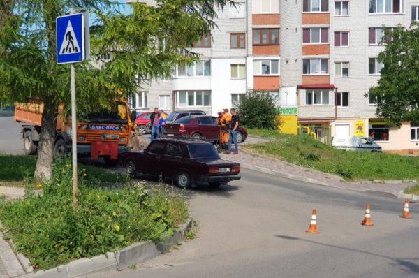 У Тернополі вул Польова перекрита через ремонт дороги (Фото)