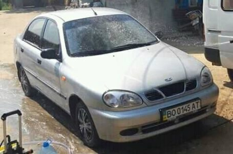 У тернопільського активіста вночі викрали автомобіль (Фото)