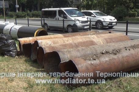 У Чорткові працюють цілодобово, в Тернополі – за законом. В області – ремонт водопроводів (Відео)