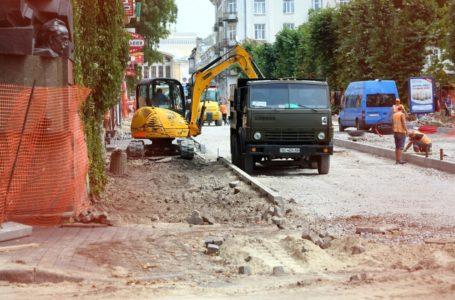 Після реконструкції на вулиці Чорновола змінять напрямок руху транспорту та встановлять громадську вбиральню