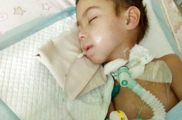 Після дев'яти місяців коми від кору у Тернополі помер 5-річний хлопчик (фото)
