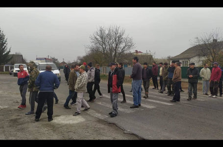 На Чортківщині селяни перекрили дорогу через зменшення води в криницях