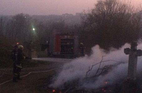 У Бучачі загорілось старовинне кладовище