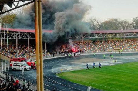 Поламані вболівальниками крісла на тернопільському стадіоні відшкодує ФК «Верес»