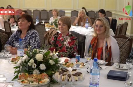 Історії успіху – за кавою: у Тернополі відбулась зустріч «Ділових Українських Жінок» (Відео)
