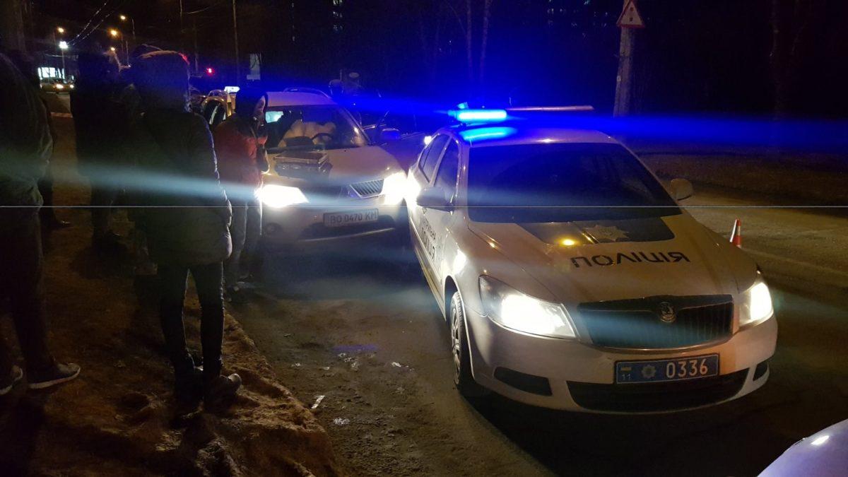 На двох вулицях Тернополя спецслужбовці затримують порушників. Місто у заторах (Фото)