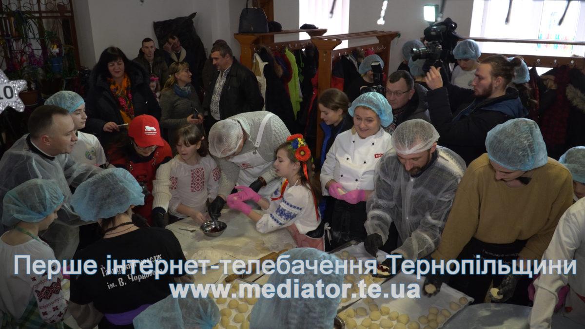 Тернополяни жертвують кошти на добрі справи спільно з благодійним фондом «Покрова» (Відео)