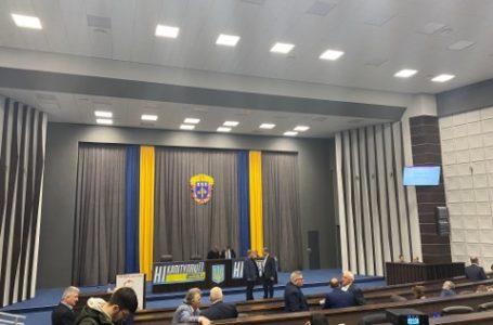 Не везти на Тернопільщину українців з Китаю вимагають в Президента депутати облради