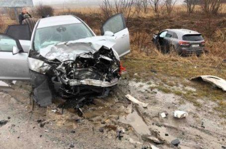 Одне авто розтрощене, інше – в кюветі. На об'їзній Козови – ДТП (Фото)