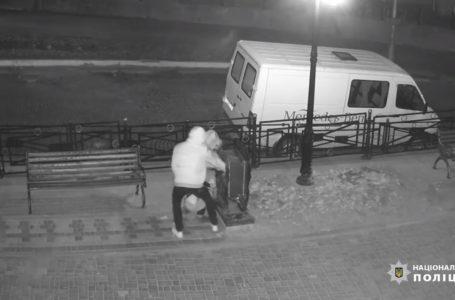 Знайшли злодіїв, які обікрали скриньку з пожертвами в Чорткові (Відео)