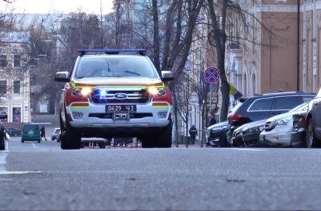 У Тернополі рятувальники з гучномовця просять дотримуватись карантину