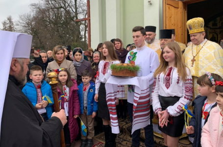 Владика Василій Семенюк відвідав храм у селі Великий Говилів (Фото)