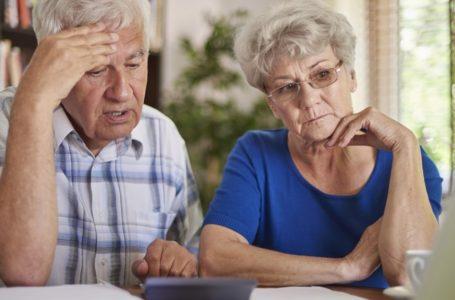 Тернополяни старше 60 років не повинні виходити з дому. Як бути тим, що працюють