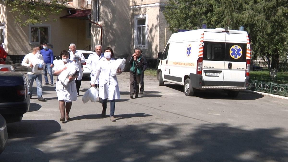 Підгаєцькі медики втретє отримали допомогу від Гуманітарного штабу (Відео)