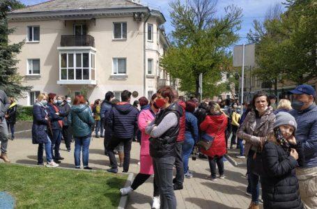 Працівники тернопільських ринків протестують під міськрадою (Наживо)