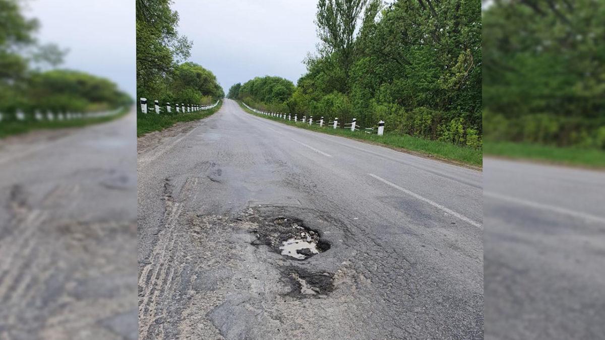 «За «нашими» ямами на дорогах не встигає ні влада, ні фірми», – Петро Ландяк