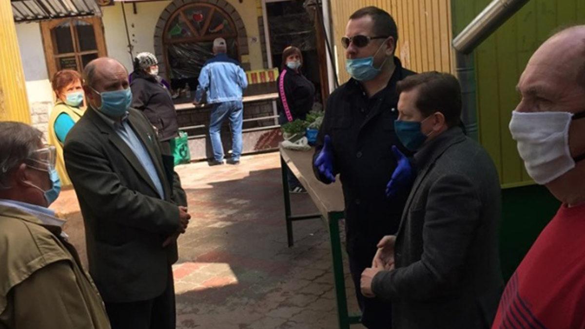 Продуктові ринки: в Бережанах запрацював, коли відкриють у Тернополі